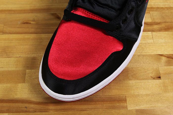 Air Jordan 1 Satin Bred 10