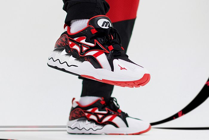 Mizuno Wave Runner Red White Left Shot