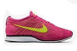 Nike Flyknit Racer Fireberry Thumb