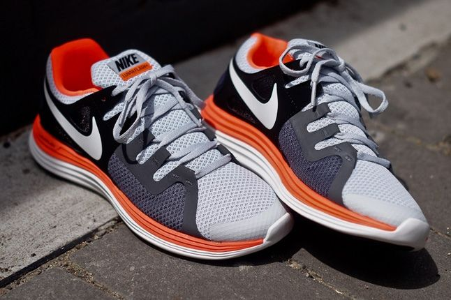 Nike Lunarflash Platinum Crimson 1
