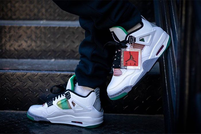 Air Jordan 4 Rasta Wmns 2