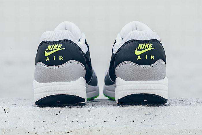Nike Air Max 1 Neon9