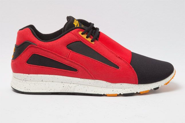 Nike Air Current Red Side 1
