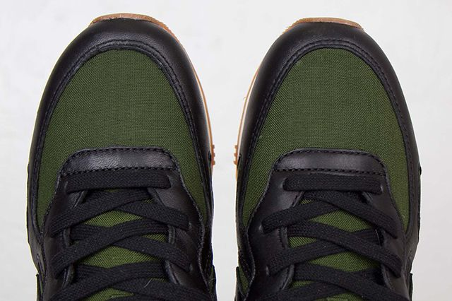 Undefeated Converse Auckland Racer Ox
