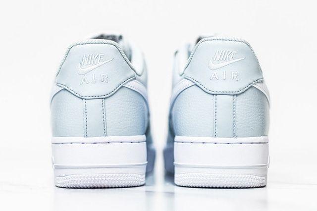 Nike Air Force 1 Pure Platinum 4