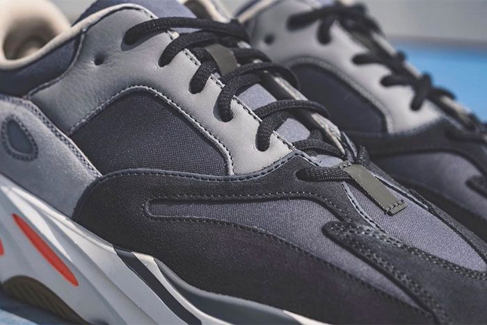 Yeezy Adidas Boost 700 Magnet Laces