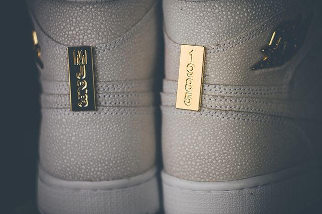 Air Jordan 1 Pinnacle Gold 3