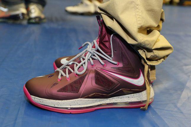 Sneaker Con Charlotte Nike Lebron 1