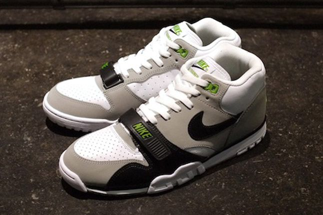 Nike Air Trainer 1 2012 Chlorophyll Profile Pair 1
