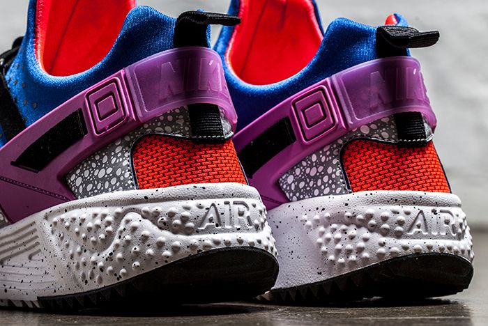 Nike Huarache Utility Prm Safari Crimson 3