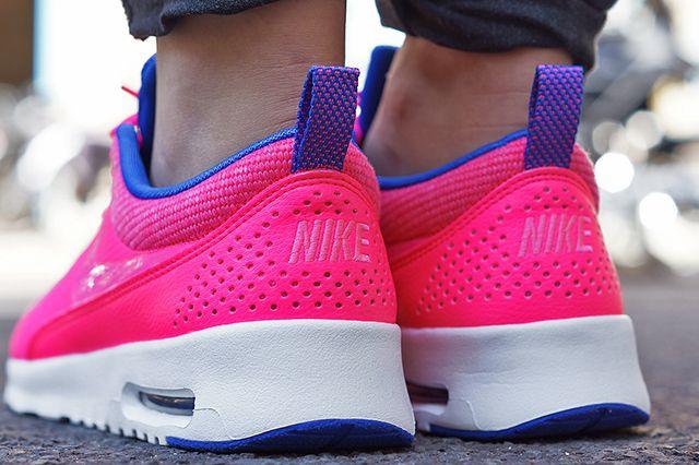 Nike Air Max Thea Hyper Pink 1