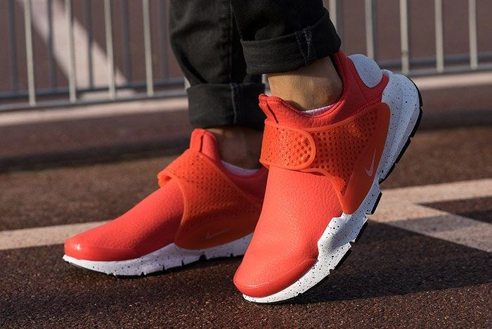 Nike Sock Dart Premium Wmns Max Orange 2