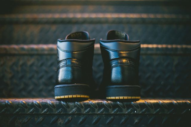 Air Jordan 1 Retro Og Black Gum 4