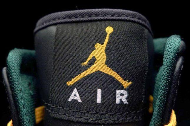 Air Jordan1 Mid Sonics Tongue Detail 1