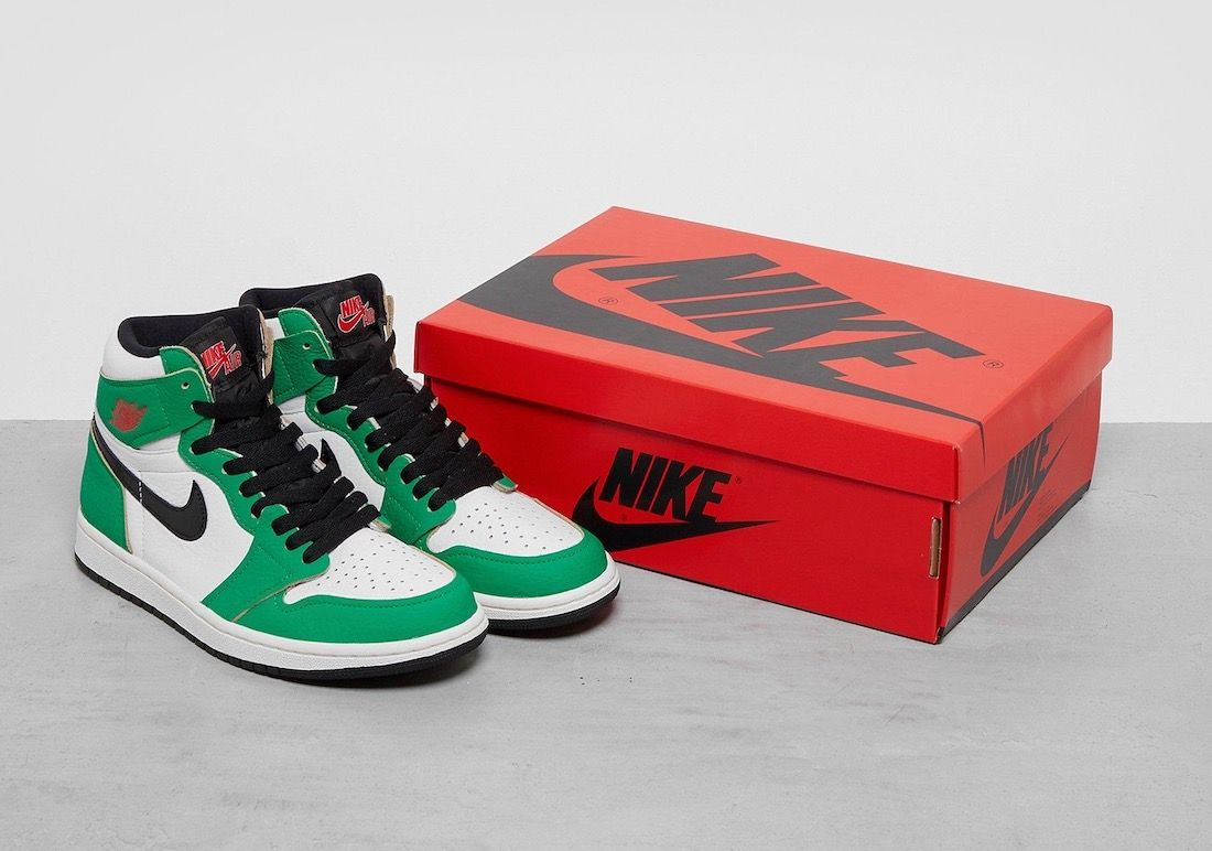 Air Jordan 1 Lucky Green Angled