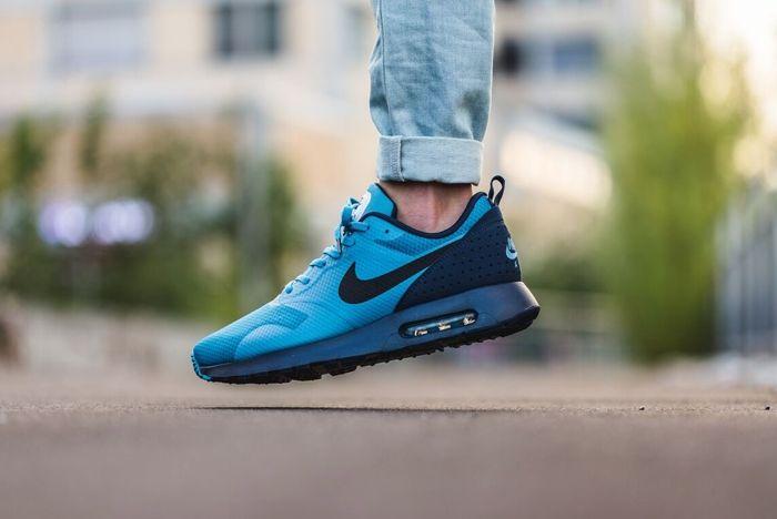 Nike Air Max Tavas Blue Red Drop October 2015 1