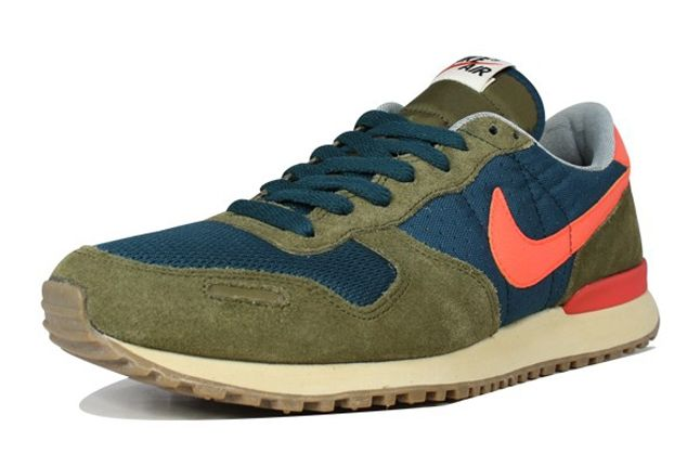 Nike Air Vortex Squadron Green Crimson Toe Profile 1