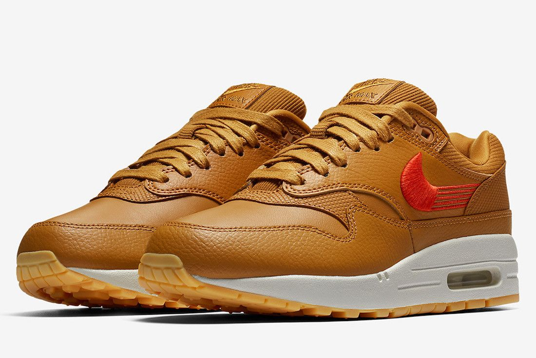 Nike Air Max 1 Swoosh