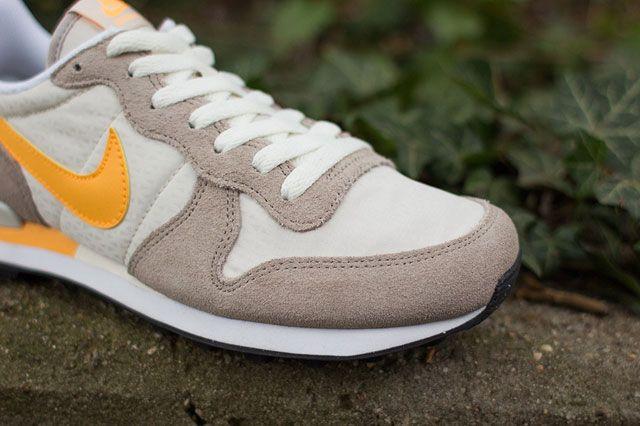 Nike Wmns Internationalist Toebox