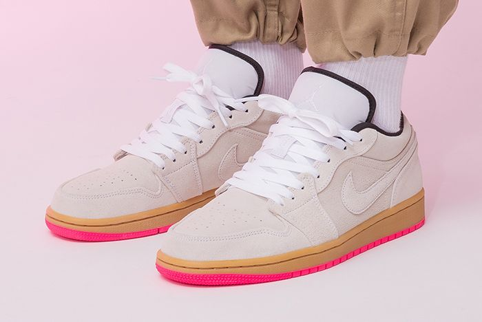 Air Jordan 1 Low Hype Pink 553558 119 Three Quarterangle