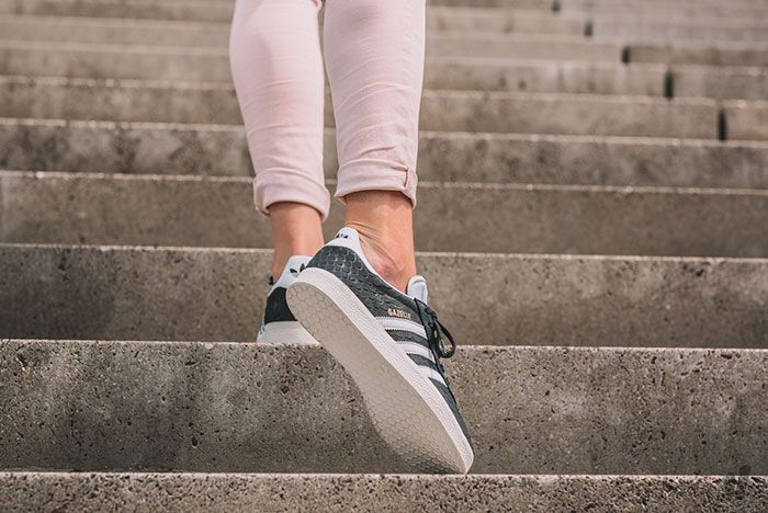Adidas Gazelle Wmns Core Black Crystal White Chalk White 7