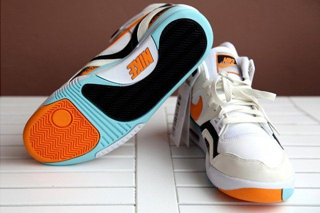Nike Air Tech Challenge Ii White Kumquat 3