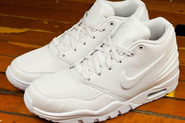 All White Nike Entertrainer 04
