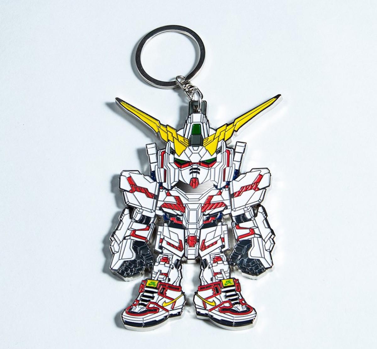 Bandai Nike SB Dunk Gundam Unicorn Figurine Touma