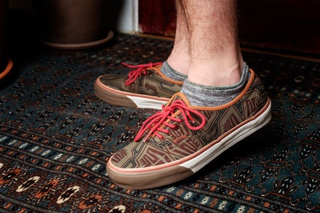 Bodega Ss13 Lookbook Vans Brown Red Lace 1