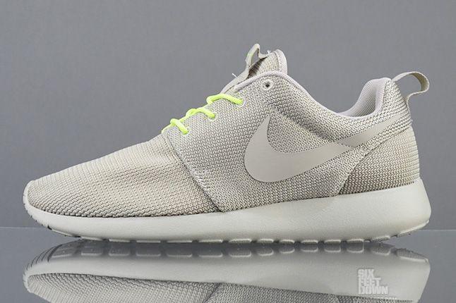 Nike Roshe Run Split Profile 1