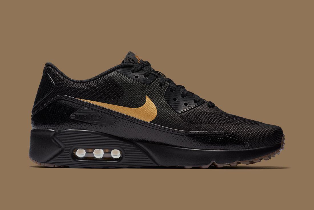 Nike Black Gold Pack 11