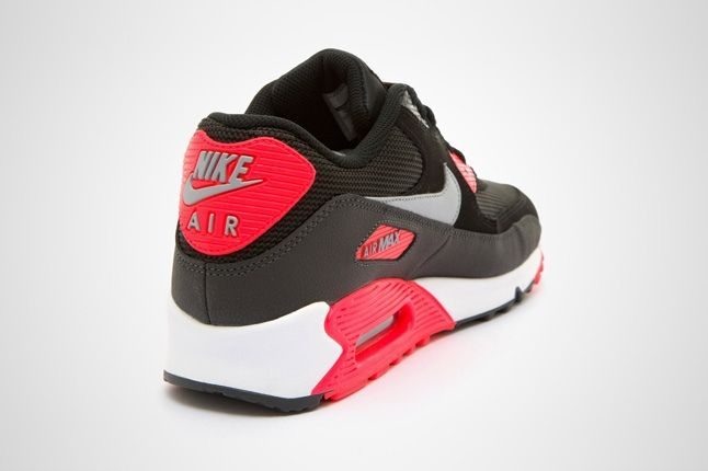Nike Am90 Blk Infrared Heel Profile 1