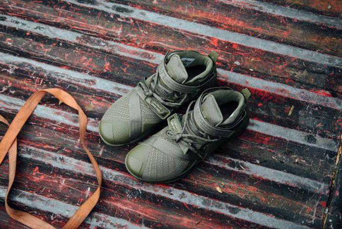 Nike Lebron Zoom Soldie 9 Olive 1