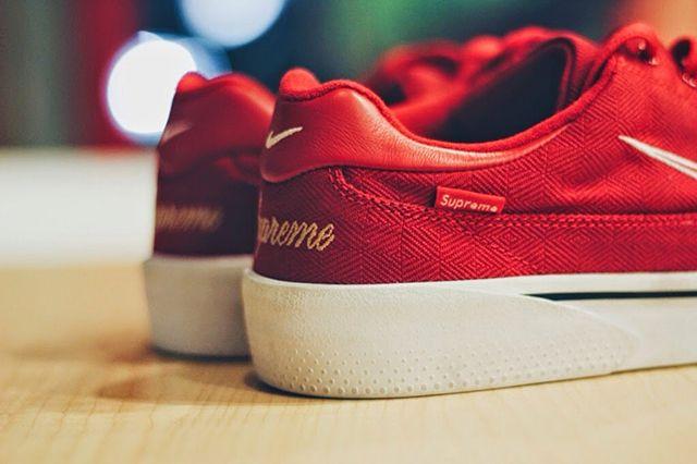 Nike X Supreme 1