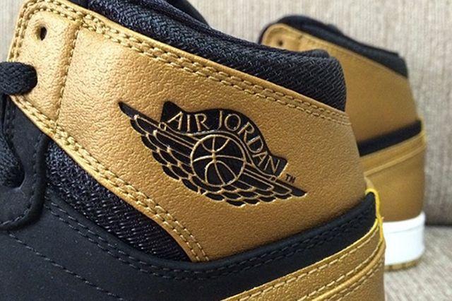 Air Jordan 1 Mid Melo 2