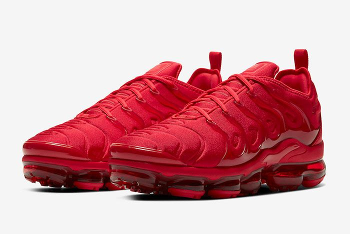 Nike Air Vapor Max Plus Red Cw6973 600 Three Quarter Angle Side Shot