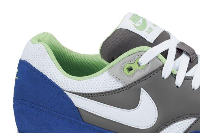 Nike Air Max 1 Essential White Grey Hyper Heel Detail 1