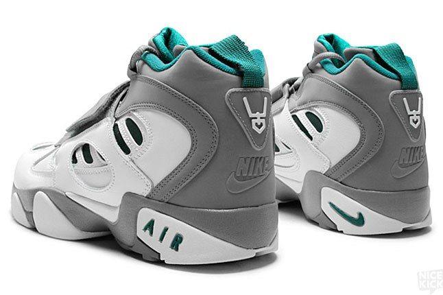 Nike Diamond Turf 2 3 1