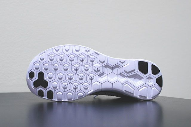 Free Flyknit 4 0 White Black Sole