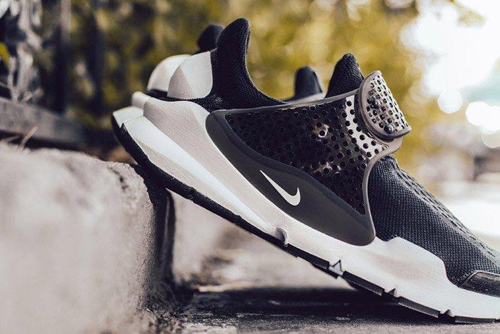 Nike Sock Dart Black White 1