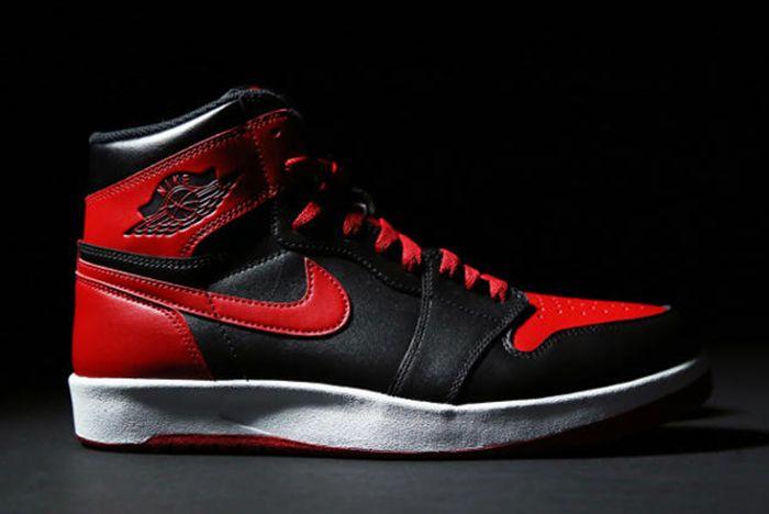 Air Jordan 1 5 Bred7