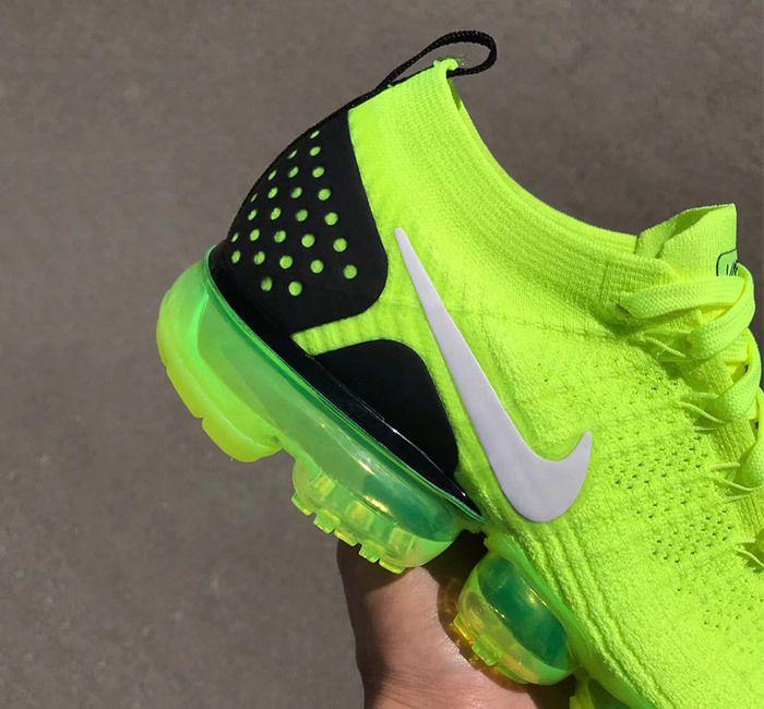Nike Air Vapormax 2 Flyknit Volt 942842 700 10