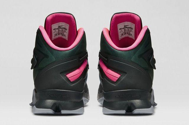 Nike Zoom Soldier 8 Black Pink 4