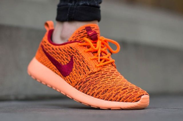 Nike Wmns Roshe One Flyknit Total Orange Gym Red Sunset Glow 1