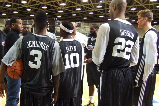 8 Rookies 1