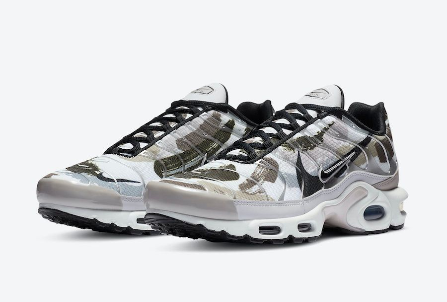 Air Max Plus Brushstroke Camo Angled