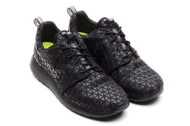 Nike Roshe Run Metric Pair 1