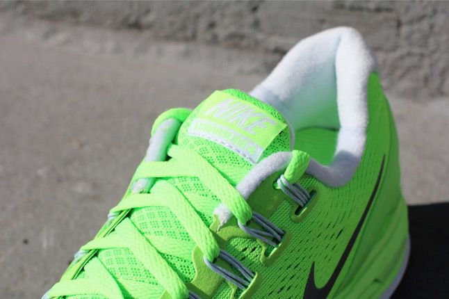 Nike Lunarglide 4 Electric Green Laces 1