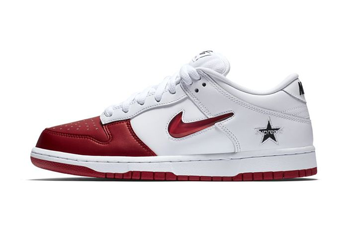 Supreme Nike Sb Dunk Low White Red Fall 2019 Snkrs Sneakrs Release Date Lateral