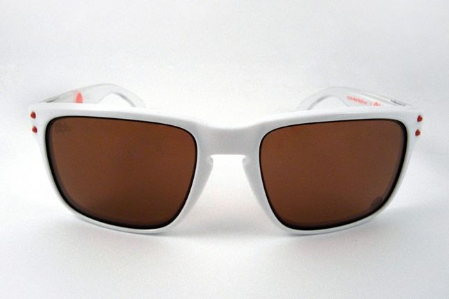 Staple Oakley Holbrook 01 1